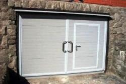 Делаем гаражные ворота своими руками