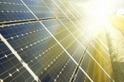 Автономное электричество и освещение на солнечных батареях: преимущества и особенности использования для дома
