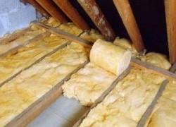 Способы утепления потолка в деревянном доме